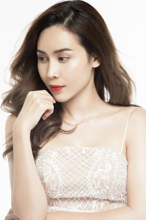 Lưu Hương Giang đẹp ngỡ ngàng sau phẫu thuật thẩm mỹ - 7