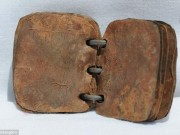 Thế giới - Tìm thấy sách bằng chì 2.000 tuổi viết về Chúa Jesus