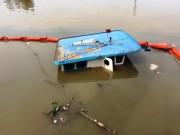 Tin tức trong ngày - Đồng Nai: Sà lan cùng số hàng gần 400 tấn chìm dưới sông