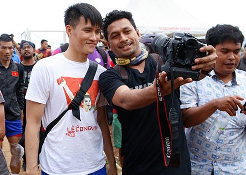 Fan Indonesia dự đoán Công Vinh sút tung lưới đội nhà