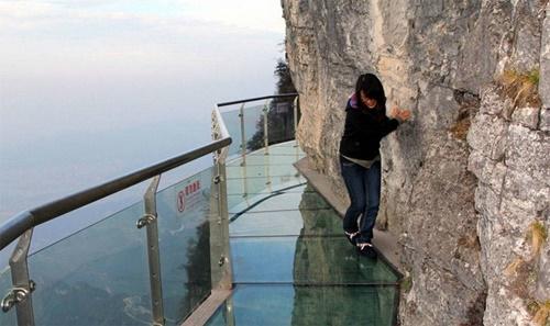 15 cây cầu điên rồ và đáng sợ nhất thế giới (P.1) - ảnh 4