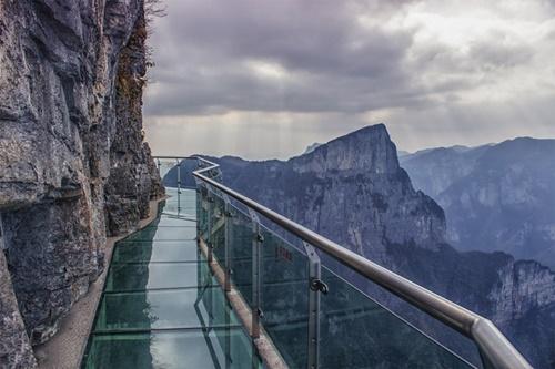 """15 cây cầu """"điên rồ"""" và đáng sợ nhất thế giới (P.1) - 3"""