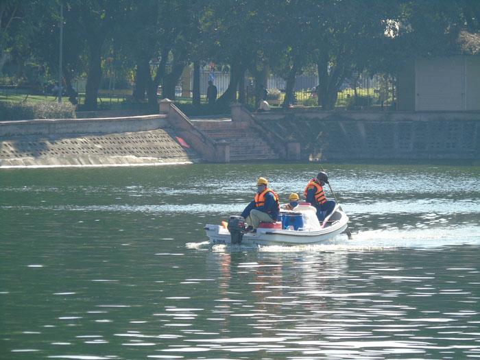 Cận cảnh công nghệ độc quyền làm sạch hồ của Hà Nội - ảnh 1