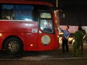 An ninh Xã hội - Nhóm giang hồ chặn xe khách, hăm dọa tài xế