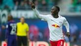 """Bàn thắng đẹp Bundesliga V12: Kỷ lục nhờ cú úp mu """"sấm sét"""""""