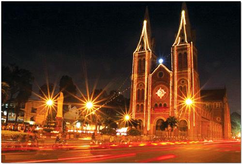 Mách bạn địa điểm chơi Noel cực hot ở Sài Gòn - 1
