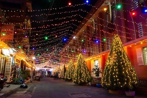 Mách bạn địa điểm chơi Noel cực hot ở Sài Gòn - 2