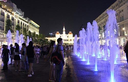 Mách bạn địa điểm chơi Noel cực hot ở Sài Gòn - 4