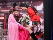 Phim - Trấn Thành tái mặt vì bị mỹ nhân đá thật vào chỗ hiểm trên sân khấu