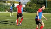 """Usain Bolt đá bóng: """"Chân gỗ"""" hạng nặng"""