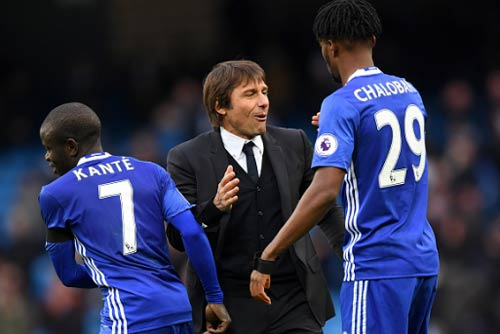 Đua vô địch NHA: May ra Arsenal ngăn được Chelsea