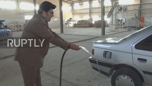 Iran phát minh ô tô chạy bằng nước lã gây chấn động