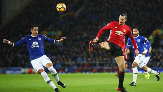 Tiêu điểm vòng 14 NHA: Chelsea bứt tốc, ác mộng ám Manchester