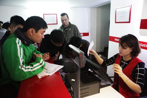 Xổ số điện toán đến Thủ đô, cụ ông U70 cũng chen mua cầu may - 3