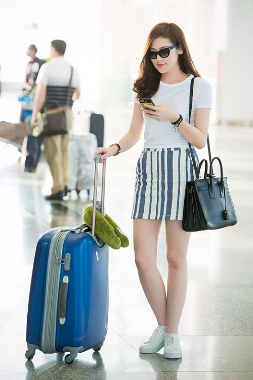 """Khi mỹ nữ Việt """"quên"""" mang giày cao mà chỉ đi dép lào, giày bệt - 13"""