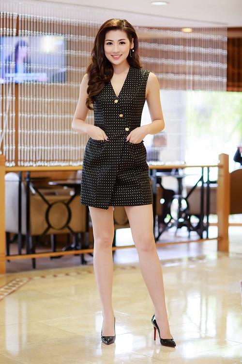 """Khi mỹ nữ Việt """"quên"""" mang giày cao mà chỉ đi dép lào, giày bệt - 14"""