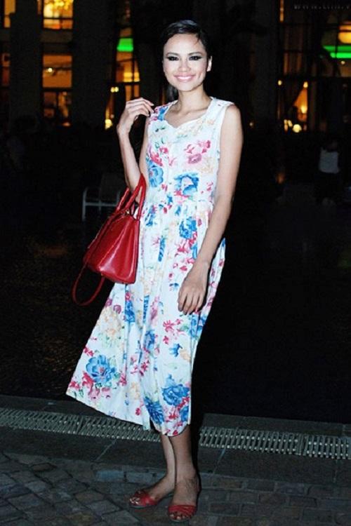 """Khi mỹ nữ Việt """"quên"""" mang giày cao mà chỉ đi dép lào, giày bệt - 23"""