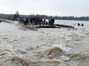 Tin tức trong ngày - Mưa lũ khiến 14 người chết, Bộ trưởng ra công điện hỏa tốc