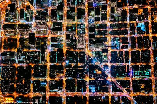 Những thành phố lung linh nhất trong đêm - 2