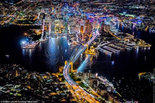 Những thành phố lung linh nhất trong đêm - 7