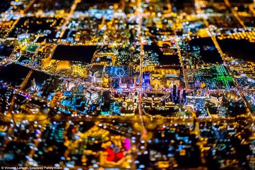 Những thành phố lung linh nhất trong đêm - 9