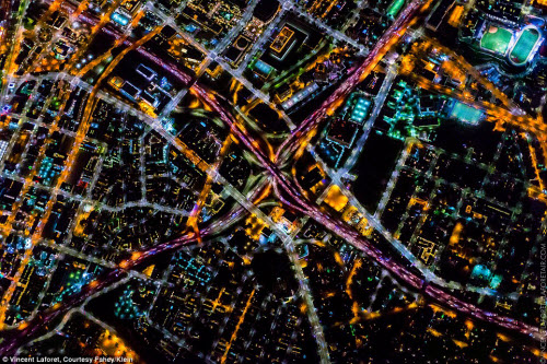 Những thành phố lung linh nhất trong đêm - 10