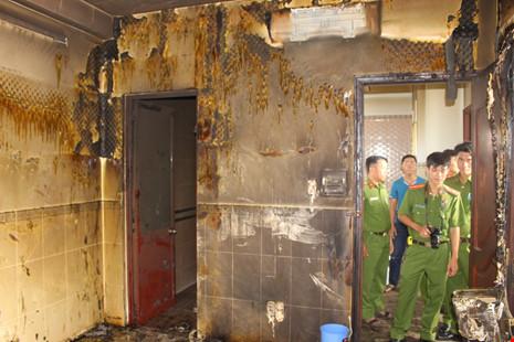 Vụ nổ 4 người bỏng nặng: Dùng xăng lau nhà còn hút thuốc khác nào tự sát