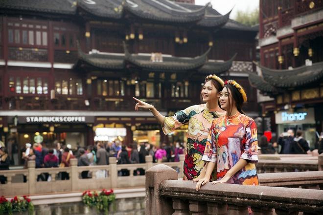 HH Mỹ Linh đẹp nao lòng giữa trời Thượng Hải - 5
