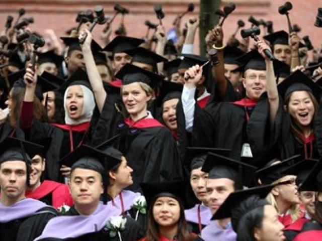 """Người Việt ở Harvard: Phủ nhận """"Harvard, bốn rưỡi sáng"""""""