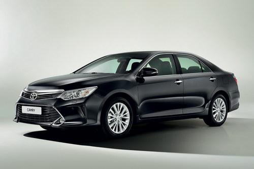 Toyota Camry tại Việt Nam được nâng cấp nhẹ, giá giảm - 1