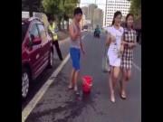 Video Clip Cười - Thanh niên ngắm người đẹp và cái kết tê tái