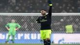 Arsenal: Ozil tiệm cận Messi, Ronaldo