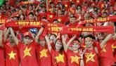 """""""Thắp lửa"""" từ Mỹ Đình: Fan Việt ủng hộ đội nhà đến cùng"""