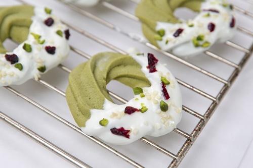 Cách làm bánh quy hình vòng hoa Noel cực đơn giản - 7