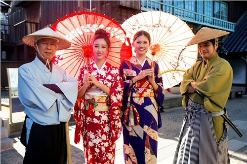 Mỹ Linh, Thanh Tú mặc Kimono đẹp hơn cả gái Nhật - 14
