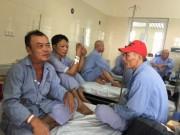 Sức khỏe đời sống - Bộ trưởng Bộ Y tế bắt quả tang bệnh viện để bệnh nhân nằm ghép