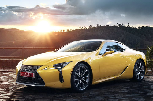 Lexus LC 500: Coupe thể thao cực quyến rũ