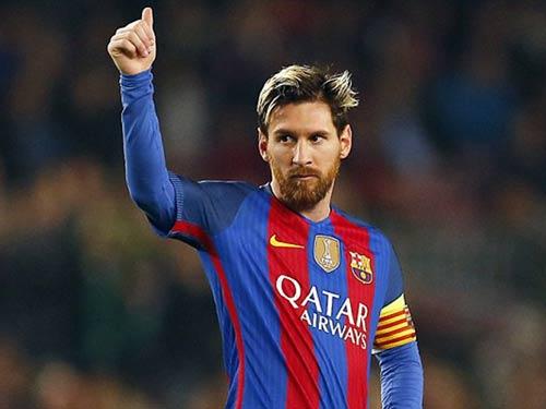 Messi gia hạn 6 năm với Barca, lương vượt Ronaldo