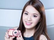 """Thời trang Hi-tech - Hot girl xinh như mộng """"đốn tim"""" bên máy ảnh"""
