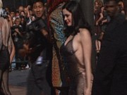 Ca nhạc - MTV - 10 pha gây sốc nhất hành tinh của người đẹp nơi đông người