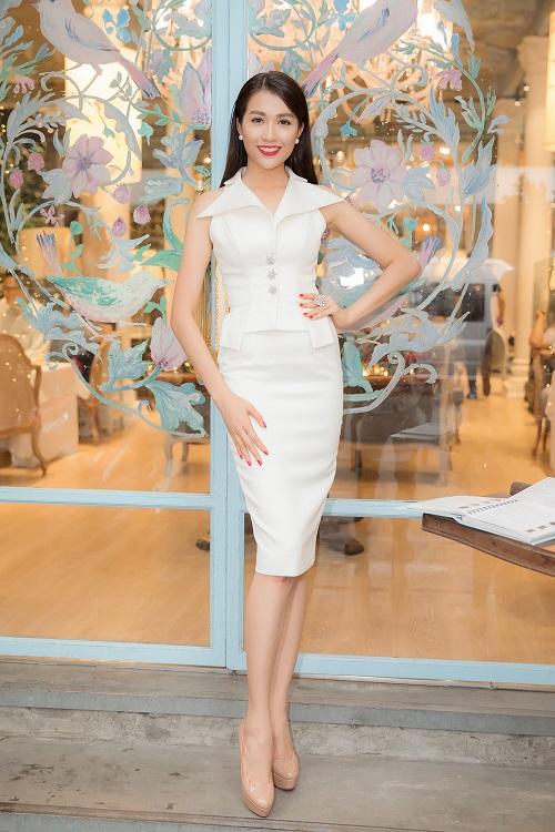 """Á hậu Lệ Hằng """"lột xác"""" trước ngày thi Miss Universe - 3"""