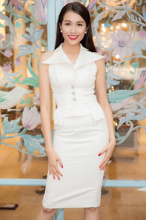 """Á hậu Lệ Hằng """"lột xác"""" trước ngày thi Miss Universe - 4"""