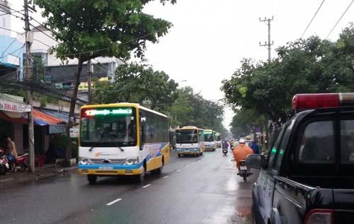 Người dân Đà Nẵng chính thức đi xe buýt miễn phí