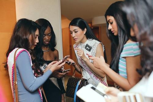 Lệ Hằng catwalk lấn át 10 mỹ nữ quốc tế thi Miss Universe - 5