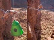 Du lịch - Chàng trai mạo hiểm ở trong lều treo giữa hẻm núi sâu