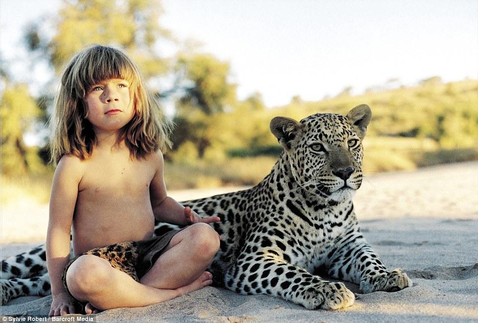 Cô bé Tippi và cuộc sống cùng động vật hoang dã