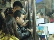 """Tin tức trong ngày - TP.HCM: Người đi tàu Tết bị """"cò"""" lừa bán vé giả"""