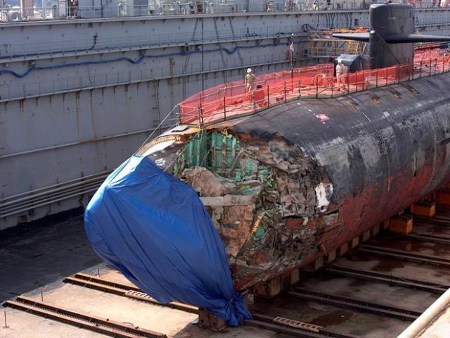 Đâm vào núi ngầm, tàu ngầm hạt nhân Mỹ thoát hiểm thần kỳ