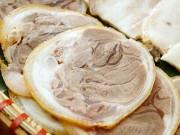 Ẩm thực - Bí quyết luộc thịt chân giò trắng, ngon, da giòn sần sật