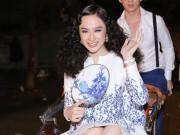 Thời trang - Angela Phương Trinh ''cưỡi'' xích lô, đội mưa dự sự kiện